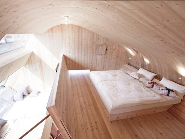 Compact Home Designed for spectacular Views of the Alps11