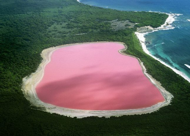 Lake Hillier Australia 14_resize_exposure
