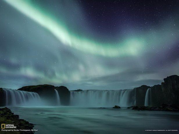 Waterfalls Of Gods Iceland_resize