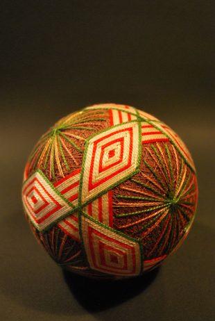 embroidered-temari-balls-japan-3
