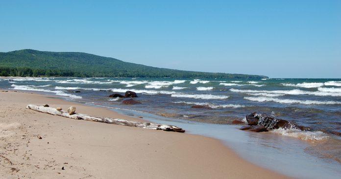 Charismatic Planet Lake Superior 0
