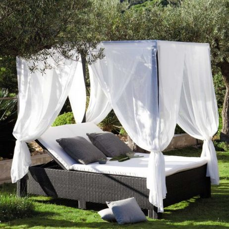 Outdoor Beds That Offer Pleasure, Comfort And Style13