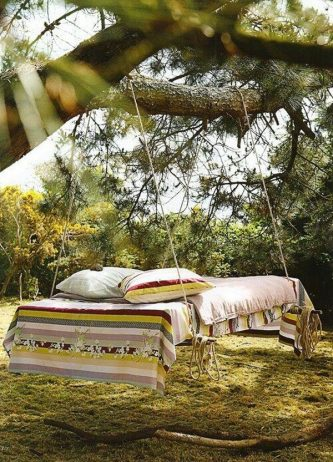 Outdoor Beds That Offer Pleasure, Comfort And Style17