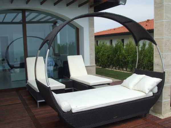 Outdoor Beds That Offer Pleasure, Comfort And Style7
