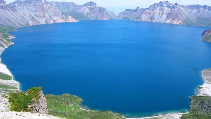 Heaven Lake China North Korea17