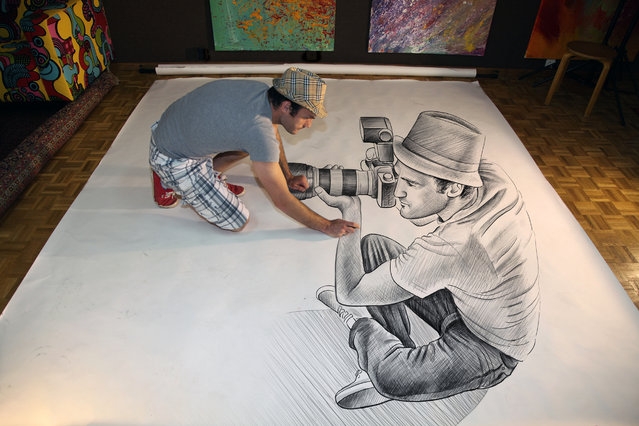 """Magnificent Pencil Drawings of """"Anamorphic Illusions""""9"""