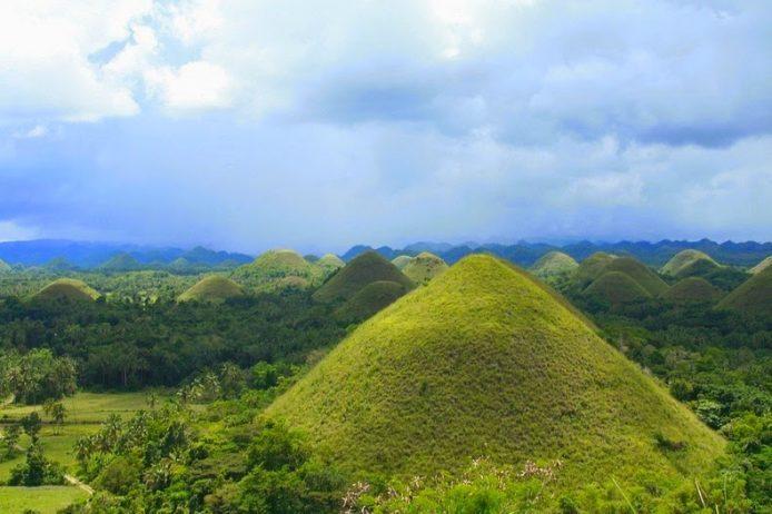 Chocolate Hills of Bohol Philippines4