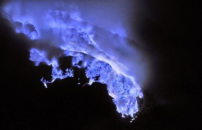 Kawah Ijen, The Volcano That Spews Blue Flames7