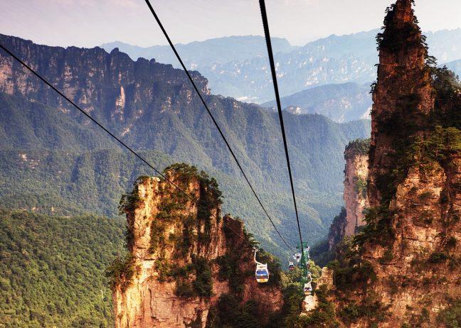 Подъемник в горах Улинъюань.