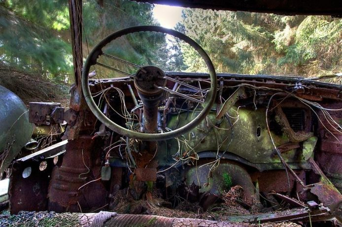 Chatillion is a small village in Belgium actually to be home of vintage abandoned and beautiful rusty Cars Graveyard.