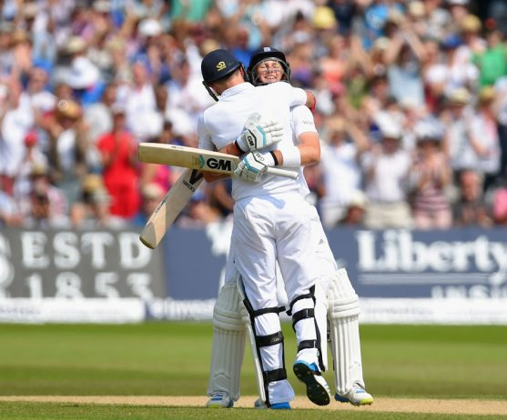 Joe Root and James Anderson extended their last-wicket stand to an unbroken 187, a new record in Tests © Getty Images