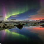 Tourists Remarkable Snaps Show of Northern Lights in Iceland