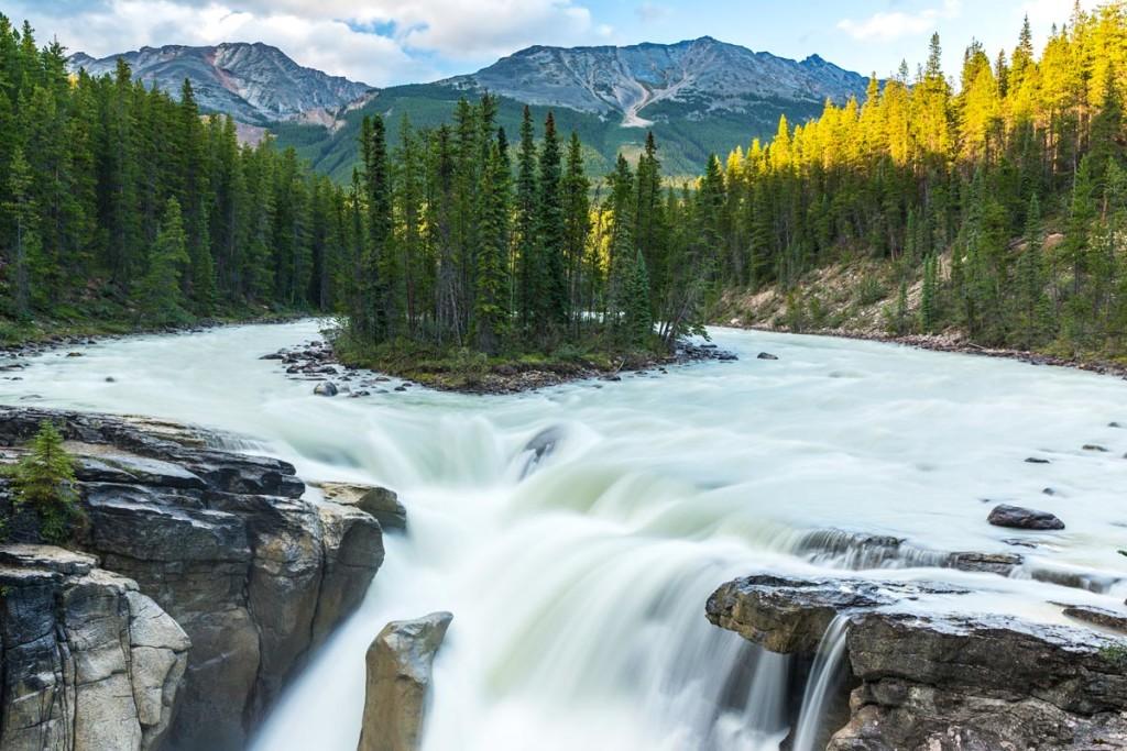 7-sunwapta-falls