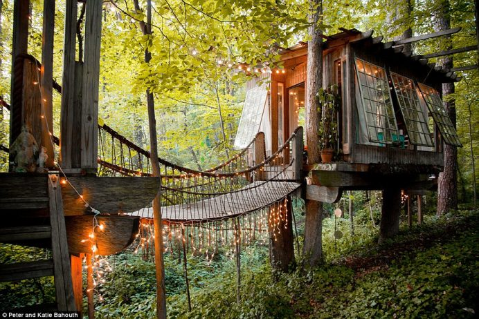 This stunning tree house is nestled amid lush woodland in Atlanta