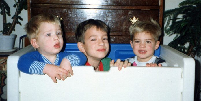 three-brothers-remake-childhood-photos-christmas-calendar-gift-16