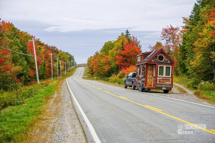 tiny-house-giant-journey-mobile-home-jenna-guillame-15