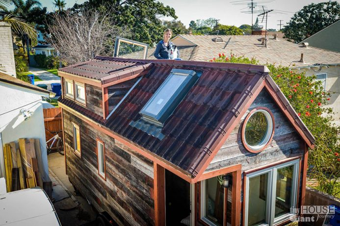 tiny-house-giant-journey-mobile-home-jenna-guillame-8