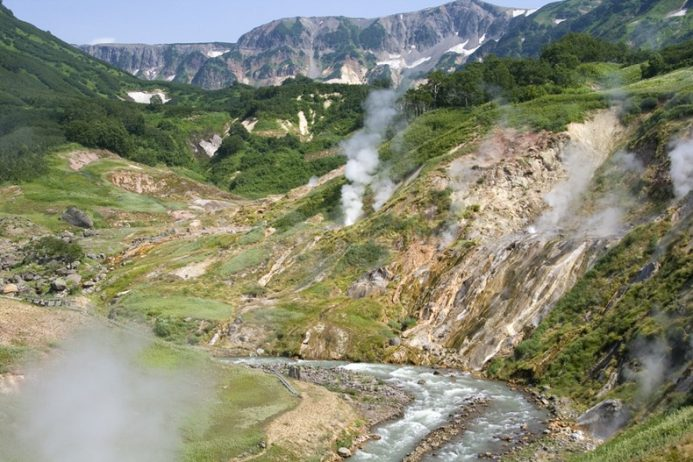valley-of-geysers-66