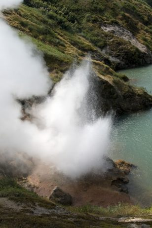 valley-of-geysers-83