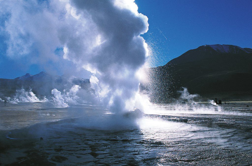 The geysers erupt to an average height of about 75 centimeters, with the highest eruption observed being around 6 metres.