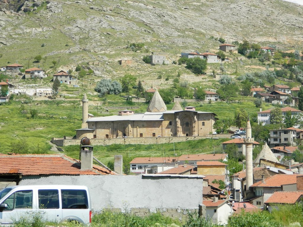 This Anatolia region was conquered by the Turks at the start of the 11th century, and then in 1228–29 Emir Ahmet Shah founded a mosque, with its adjoining hospital, at Divrigi.
