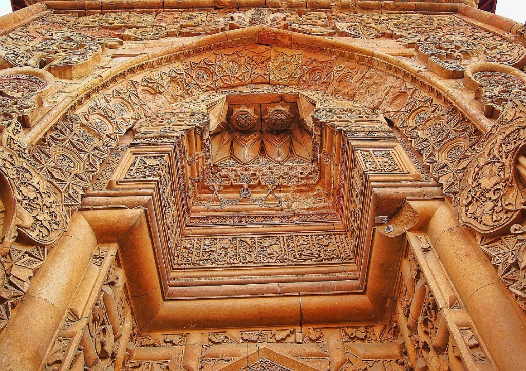 The superb carvings and architecture of both structures place them amongst the most significant works of architecture