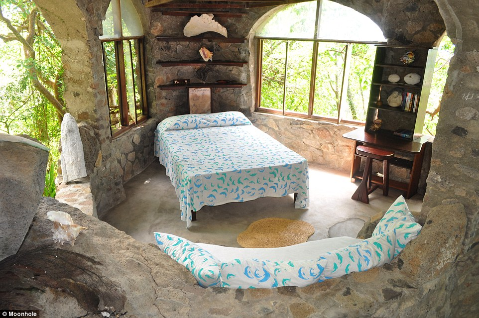 The natural paradise is called Moonhole, which boasts five quaint houses that are available around the arch to rent