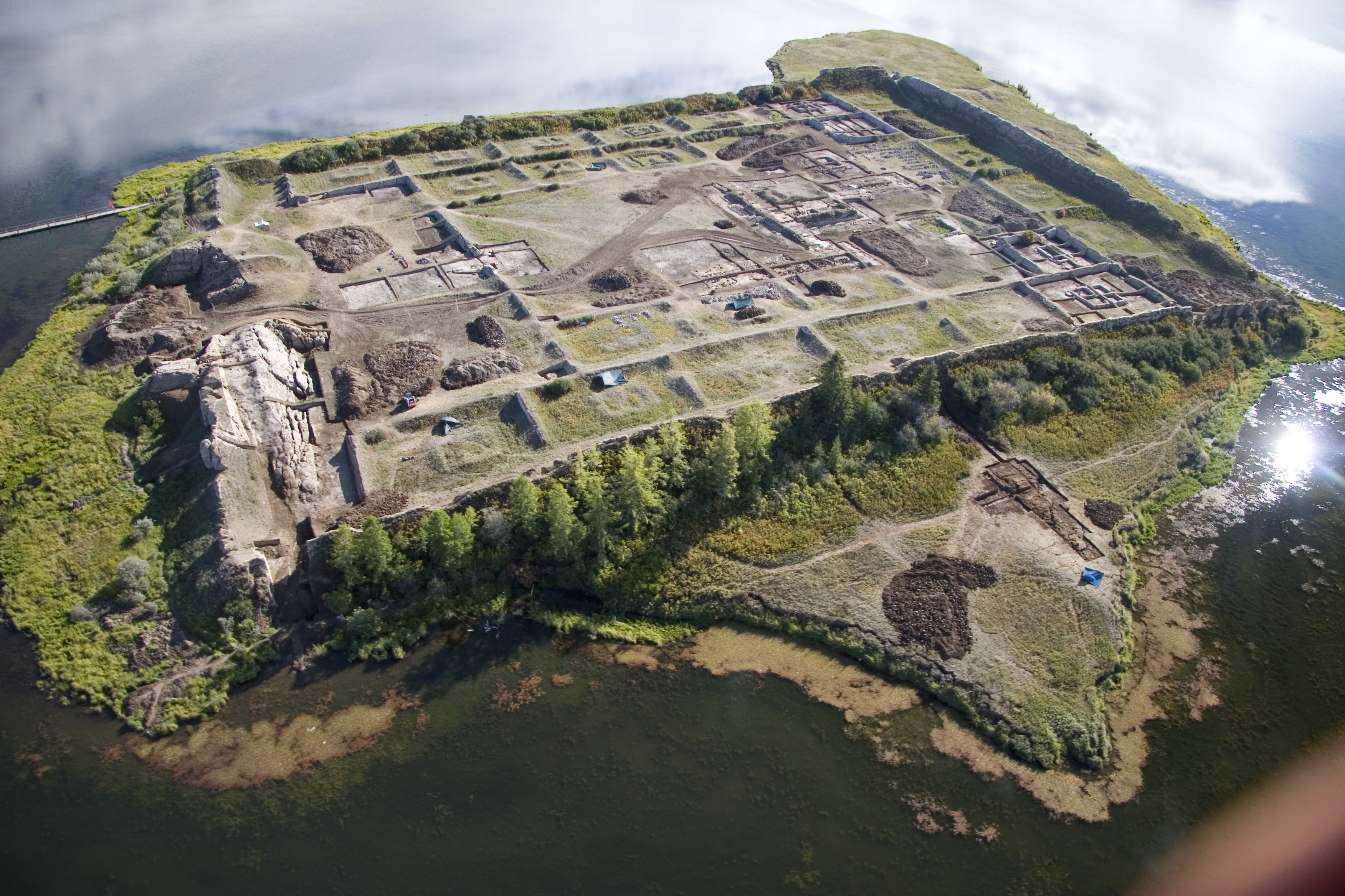 Por-Bazhyn is Russia's most mysterious archaeological site located in the center of a remote lake (Tere-Khol) of Southern Siberia.