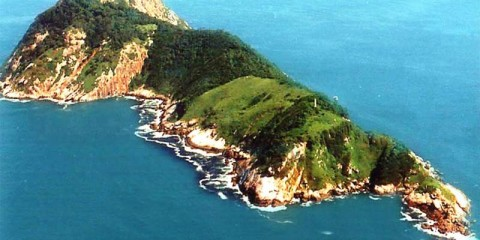 """Snake Island is also known as """"Ilha da Queimada Grande"""", is a small island located 18 nautical miles off the coast of the state of São Paulo, Brazil."""