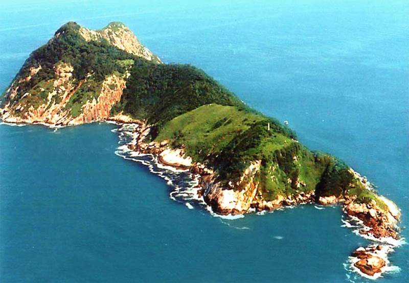 "Snake Island is also known as ""Ilha da Queimada Grande"", is a small island located 18 nautical miles off the coast of the state of São Paulo, Brazil."