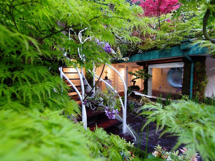 Therefore, Ishihara's landscaping business Kaza Hana, is based in Japan toured around Europe to source the foliage for the flower show design.
