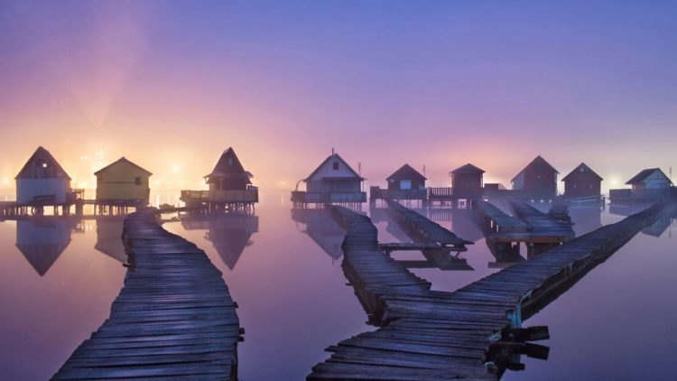 """In fact, this is Hungary's answer to the paradise island in the Indian Ocean, known as the """"floating village""""."""