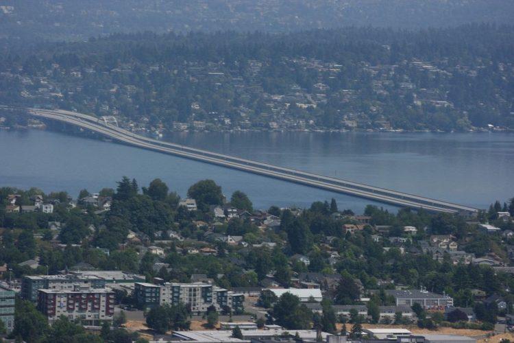 Homer Hadley Floating Bridge and Lacey V. Murrow Memorial Bridge. Photo credit Atmoc Taco-Flickr