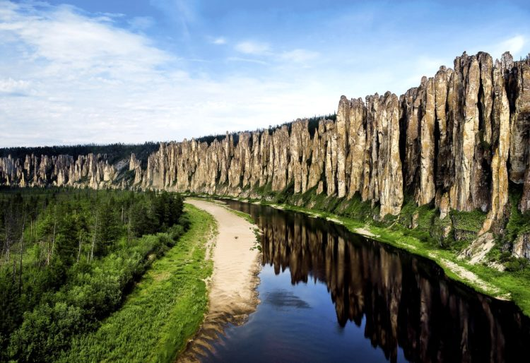 """The Tails of Wonders """"Lena's Stone Forest"""" in Russia"""