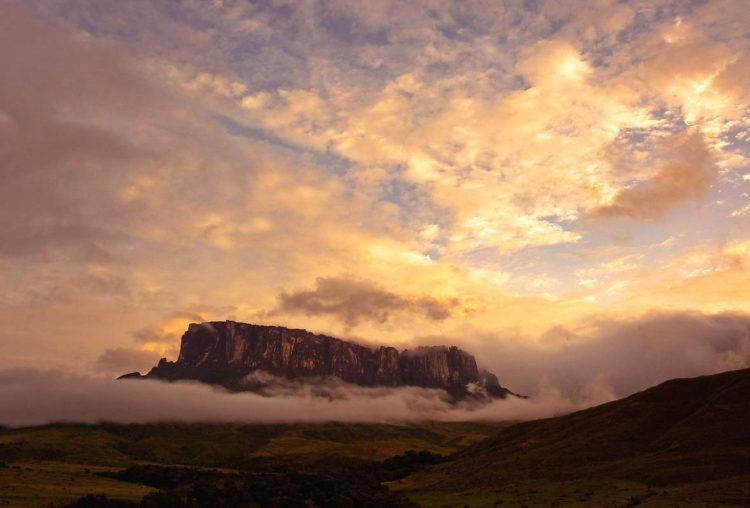 Mount Roraima lies on the Guiana Shield in the southeastern corner of Venezuela's forming the highest peak of Guyana's Highland Range.
