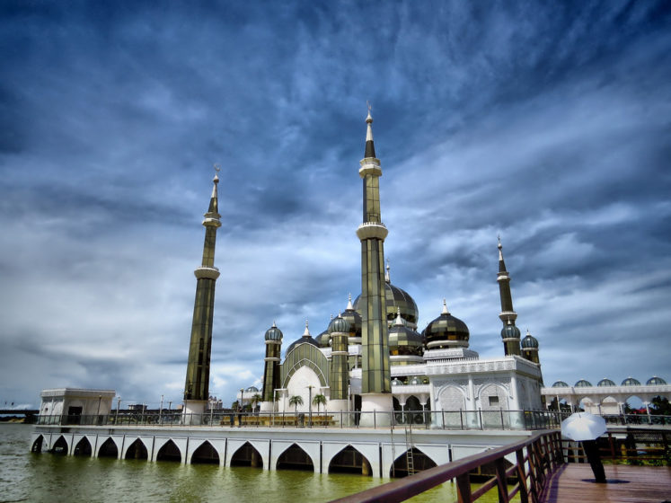 The Crystal Mosque is regarded one of most beautiful mosques in the world. This unique structure adopts a contemporary style injected with Moorish and Gothic elements.