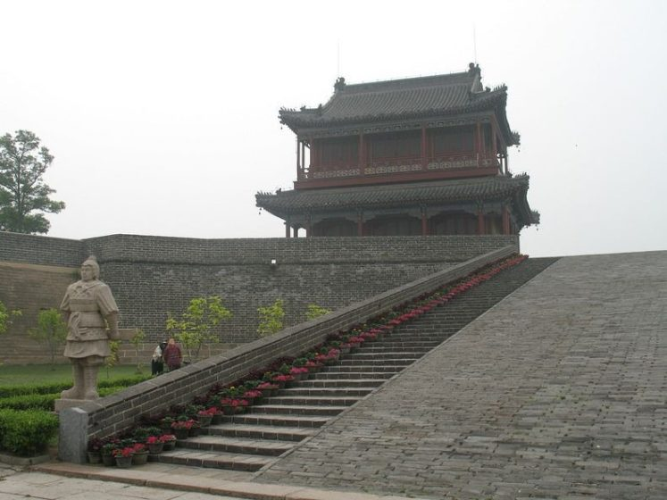 Nevertheless, the Laolongtou Great Wall is mostly formed by 7 parts, which are the Estuary Stone City, Chenghai Tower, Nereus Temple, Jinglu Beacon Tower, Nanhaikou (Southern Estuary) Pass, Ninghai City and Binhai (Seafront) Walls.