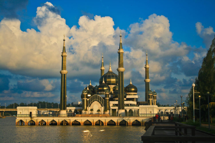 The masjid has a capacity to accommodate over 1,500 worshippers at one time.