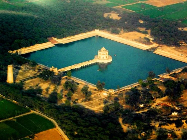 """Hiran Minar or """"The Deer Minaret"""" is 17th century Mughal-era complex located in the town of Sheikhupura, about 40 kilometers northwest of Lahore in the Pakistani province of Punjab."""