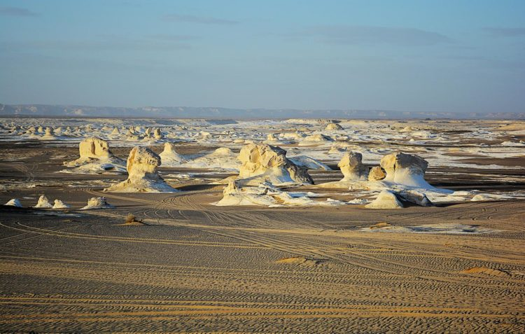 The differential weathering explains the very striking forms that now fill the White Desert including shapes like domes, minarets, castles, towers and so forth.