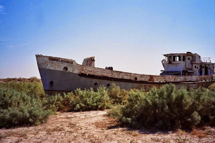 As the scarce few travelers who have traversed this most barren and isolated of landscapes will tell you, it's perhaps the last place on earth you'd expect to find a flotilla of abandoned ships. Image credit upyernoz