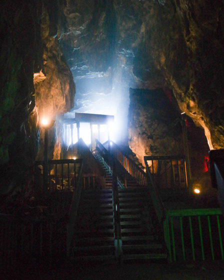 However, human access to the caves is through a gift shop building. The cave system is at sea level and the ocean constantly washes into the main cavern which has a floor area of about 2 acres and a vaulted rock dome about 125 feet high.