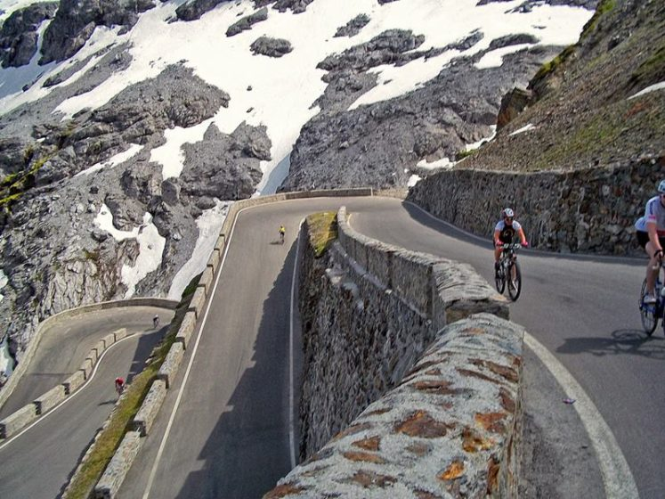 It's one of the most wonderful road pass in Europe. Although some accidents have already taken place in this high-altitude road, especially among people who underrate the difficulty involved in traversing its zigzag path.