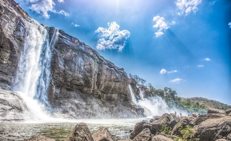 Athirapally Falls is magnificent and magical, by experiencing this place. Monsoons add to the charm of these falls.