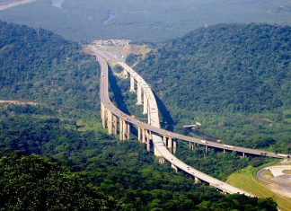 The busiest highway of Brazil Rodovia Dos Imigrantes is a highway in the state of São Paulo, Brazil. The beautiful highway connects the city of São Paulo to the Atlantic coast and with the seaside cities of São Vicente and Praia Grande.