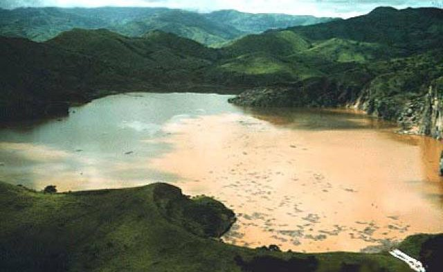 In Aug 1986 The Cameroon Lake Nyos killed 1700 villagers & 3500 livestock overnight due to carbon dioxide suffocating everything within 25 KM