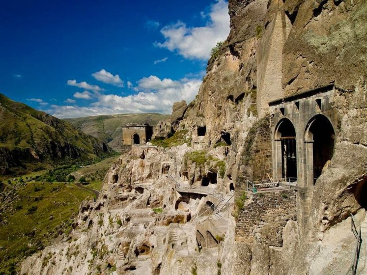 Yet nature had an unpleasant surprise for the cave city of Vardzia. The city escaped the Mongols triumphantly.