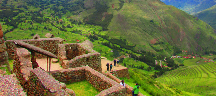 The Sacred Valley was incorporated slowly into the incipient Inca Empire during the period from 1000 to 1400 CE.