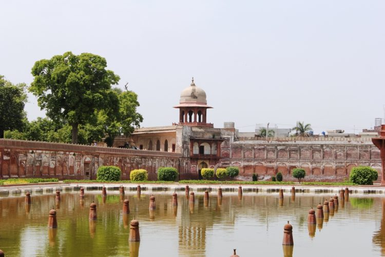 Lahore is popularly acknowledged as the city of gardens, some of the gardens are newly constructed but the main beauty of the city is with its historic gardens