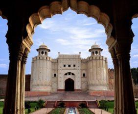 Lahore_Fort_view_from_Baradari